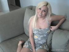 Трахает свою блондинку
