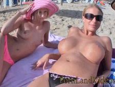 Выебал в пизду сучек на пляже