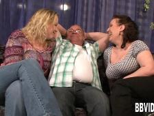 Бабы ебут мужика порно видео