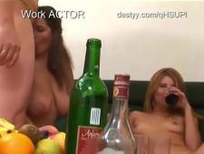 Мужики ебут пьяных шлюх