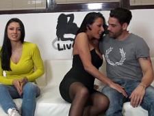Молодая пара нашла подружку для еблей