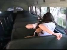 Трахаются в автобусе студентка и водила