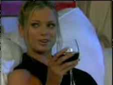 Пригласил помощницу на бокальчик вина после работы и чпокнул ее