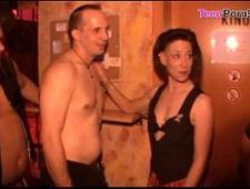 Групповой секс свингеров в комнате