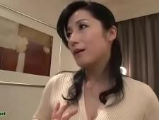 Девушка мастурбирует член первому встречному