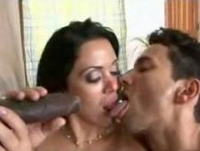 Негр ебет жену при муже