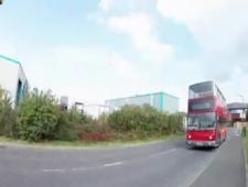 Трахнул двоих милашек в пустом автобусе