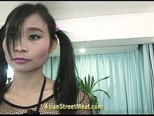 Трахает азиатскую проститутку