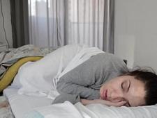 Трахнул в анал спящую жену