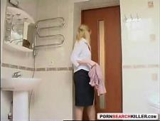 Сын ебет зрелую мать в ванной