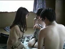 Японская семья трахается вместе