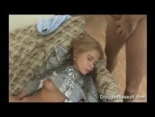 Подрочил на спящую свою девушку
