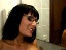 Выебал сексуальную мамку в параше