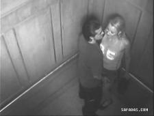 Трахнул незнакомку в лифте