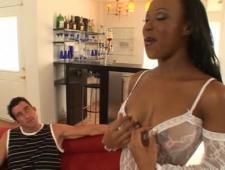 В сексуальном наряде пришла на ебли