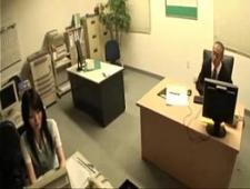 Выебал начальницу в жарком офисе