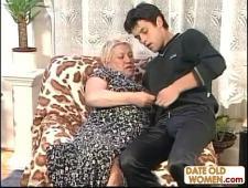 Бабушка трахается с внуком