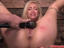 Блондинка жаждет жесткого секса