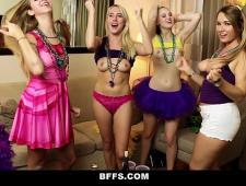 Ебут пьяных девушек на вечеринке