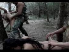 В армии ебут баб на полигоне