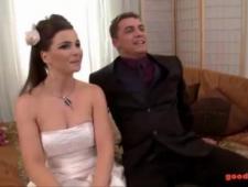 Друзья трахнули невесту перед свадьбой
