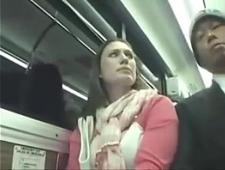 Выебал в общественном транспорте незнакомку