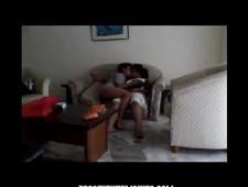 Занимаются сексом в гостиной