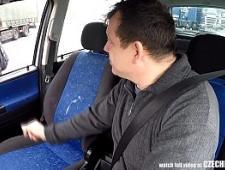 Водитель трахнул за деньги рыжую