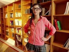 Девочка трахается в библиотеке