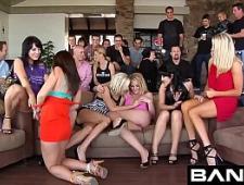 Тусовка порно моделей
