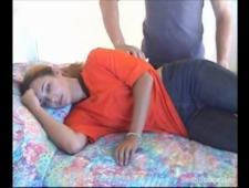 Трахнул в рот спящую девку
