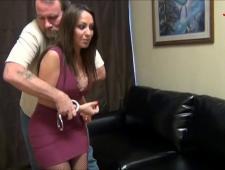 Одел наручники и трахнул