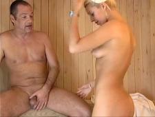 Мужик выебал медсестричку в сауне